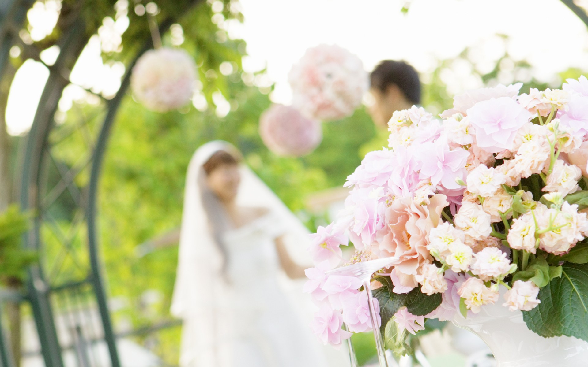 5 Problems in Hiring a Cheap Limos and Car Service for a Wedding